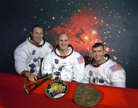 The_Original_Apollo_13_Prime_Crew_-_GPN-2000-001166.jpg